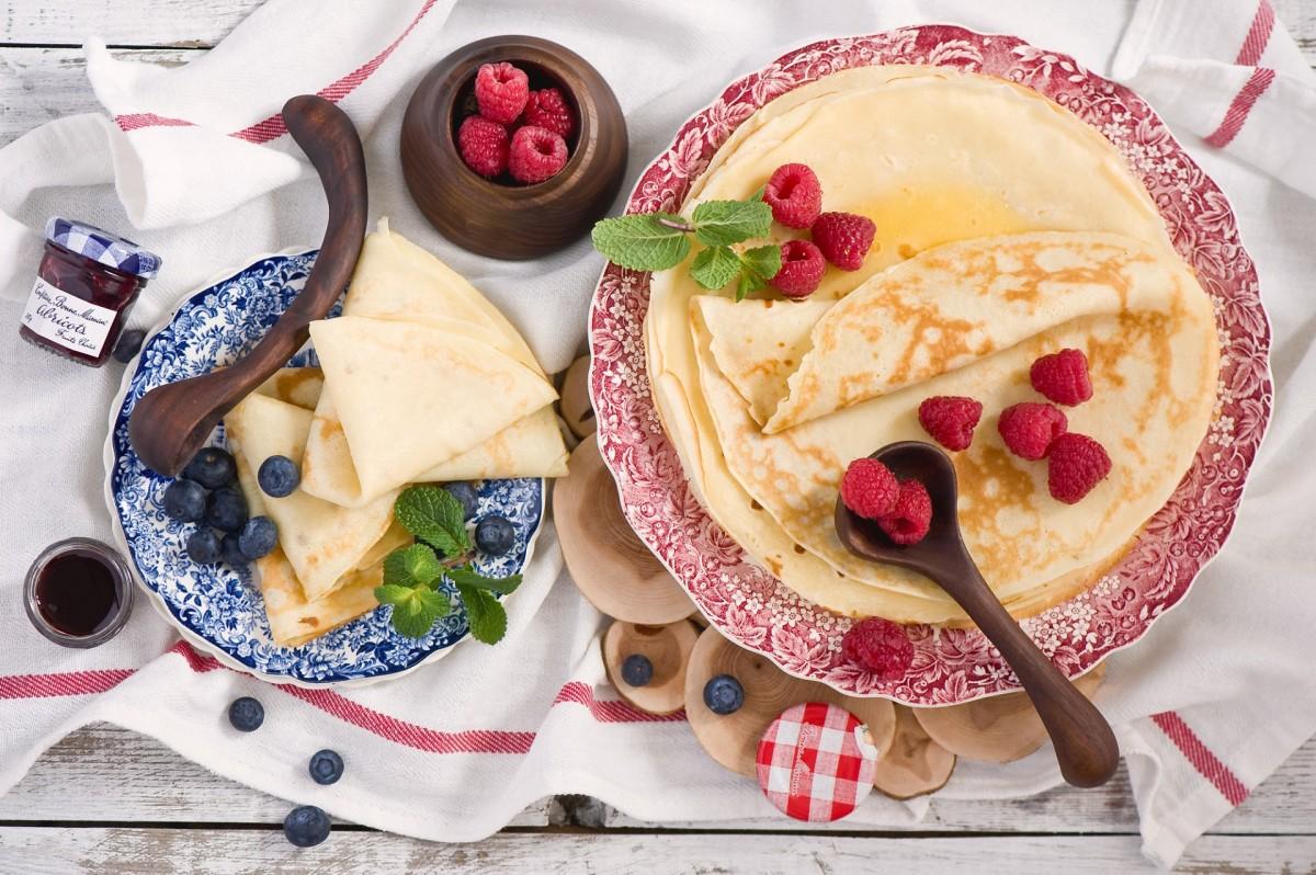 O quebra-cabeça Recolher o quebra-cabeças on-line - Pancakes and berries