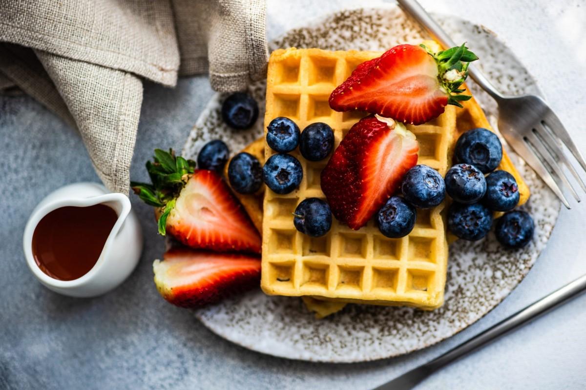 O quebra-cabeça Recolher o quebra-cabeças on-line - Two types of berries