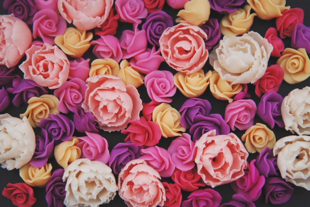 O quebra-cabeça Recolher o quebra-cabeças on-line - Artificial roses