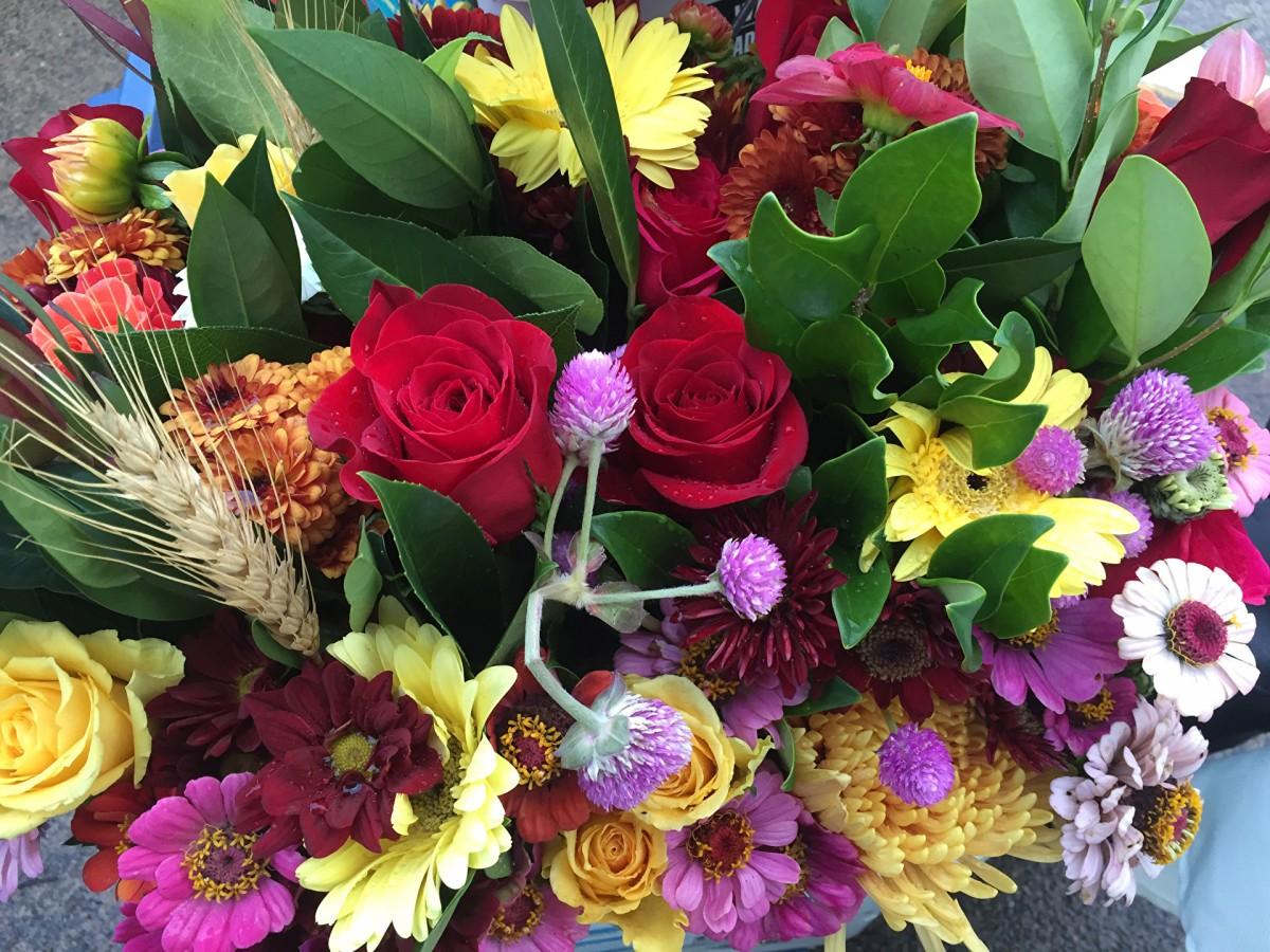 O quebra-cabeça Recolher o quebra-cabeças on-line - Bunch of flowers