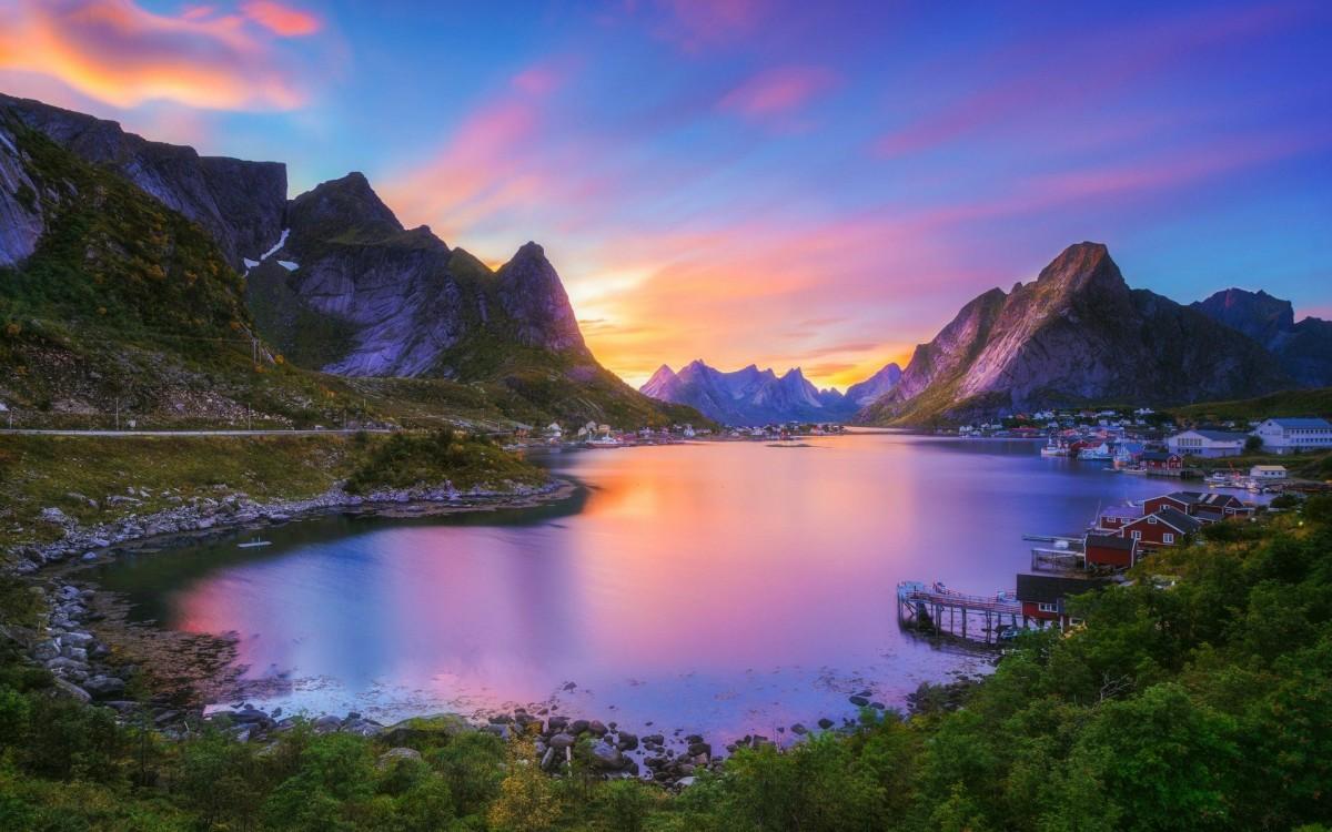 O quebra-cabeça Recolher o quebra-cabeças on-line - Norwegian landscape