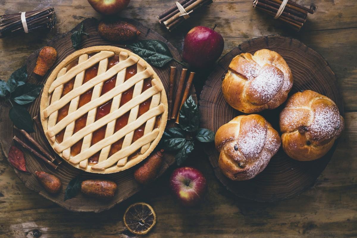 O quebra-cabeça Recolher o quebra-cabeças on-line - Pie and scones