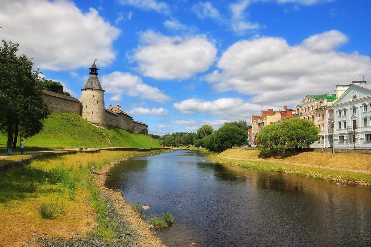 O quebra-cabeça Recolher o quebra-cabeças on-line - Pskov