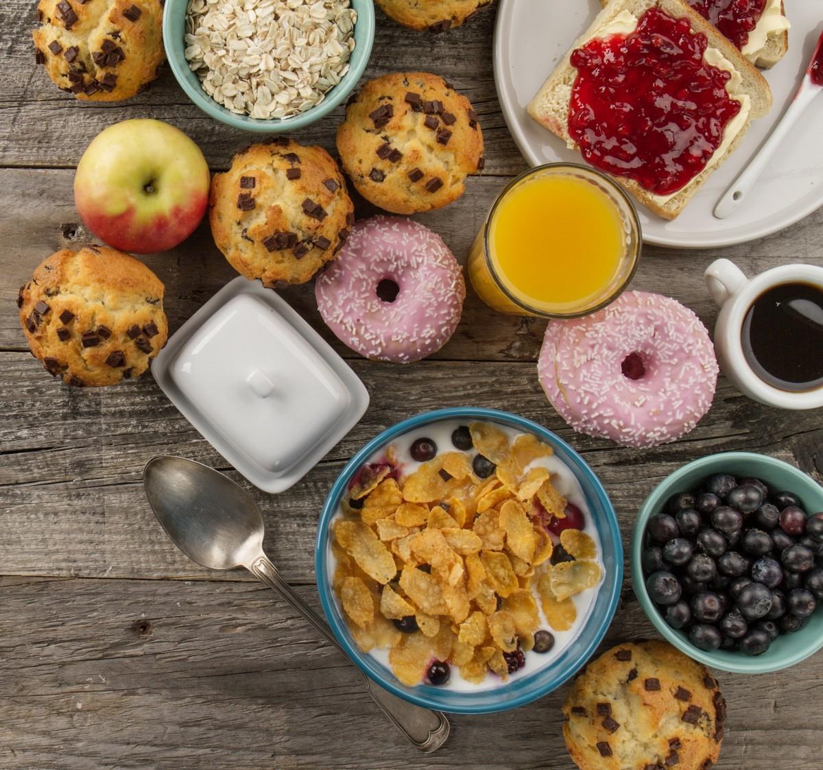 O quebra-cabeça Recolher o quebra-cabeças on-line - Breakfast