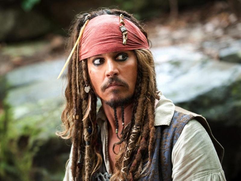 O quebra-cabeça Recolher o quebra-cabeças on-line - Jack Sparrow