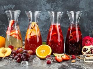 Собирать пазл Four of the jug онлайн