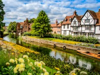 Собирать пазл Village in England онлайн
