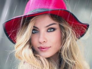 Собирать пазл Girl in the rain онлайн