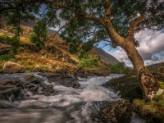 Собирать пазл Mountain river онлайн