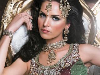 Собирать пазл Indian beauty онлайн