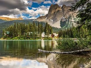 Собирать пазл Emerald lake онлайн