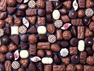 Собирать пазл Chocolate assortment онлайн