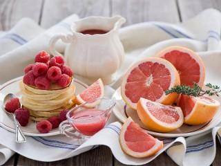 Собирать пазл Raspberry and grapefruit онлайн
