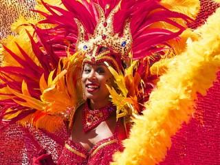 Собирать пазл At the carnival онлайн