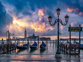 Собирать пазл The Clouds Of Venice онлайн