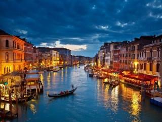 Собирать пазл Ogni Venetsii онлайн
