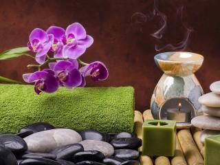 Собирать пазл Orhideya i svechi онлайн
