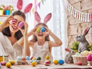 Собирать пазл Preparing for Easter онлайн