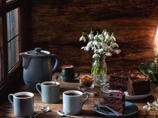 Собирать пазл Snowdrops and coffee онлайн