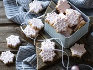 Собирать пазл Gingerbread-snowflakes онлайн