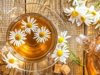Собирать пазл Camomile tea онлайн