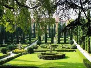 Собирать пазл Giusti garden онлайн
