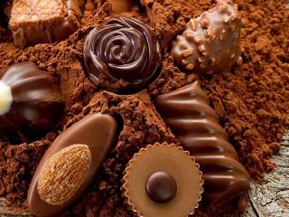 Собирать пазл Chocolate Candies онлайн