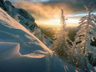 Собирать пазл Snow slope онлайн
