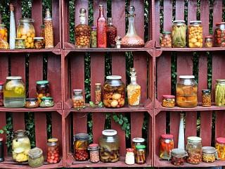 Собирать пазл Pickles and spices онлайн