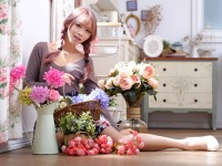 Собирать пазл Flower girl онлайн