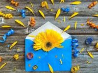 Собирать пазл Flower in the envelope онлайн
