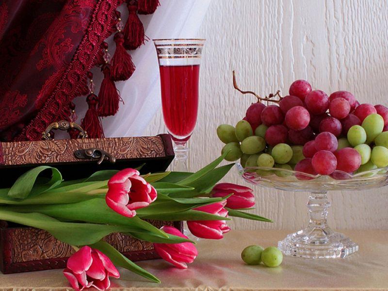 O quebra-cabeça Recolher o quebra-cabeças on-line - tyulpani i vinograd