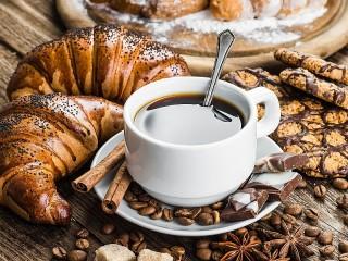 Собирать пазл Pastries and coffee онлайн