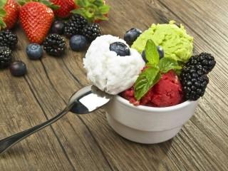 Собирать пазл Berry freshness онлайн