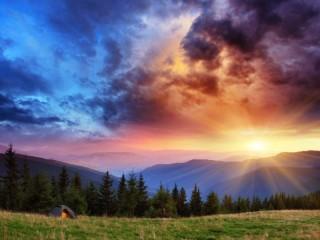 Собирать пазл Sunset in mountains онлайн