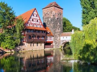 Собирать пазл Weinstadl in Nuremberg онлайн