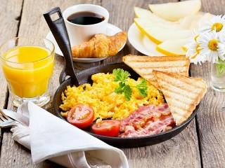 Собирать пазл Breakfast in a pan онлайн