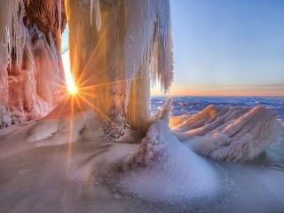 Собирать пазл Winter sun онлайн
