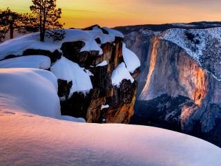 Собирать пазл Winter sunset онлайн